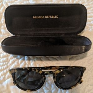 Banana republic cat eye sunglasses